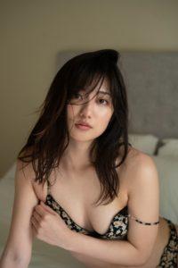奥山かずさ/1st写真集『かずさ』先行カット ©佐藤裕之/講談社