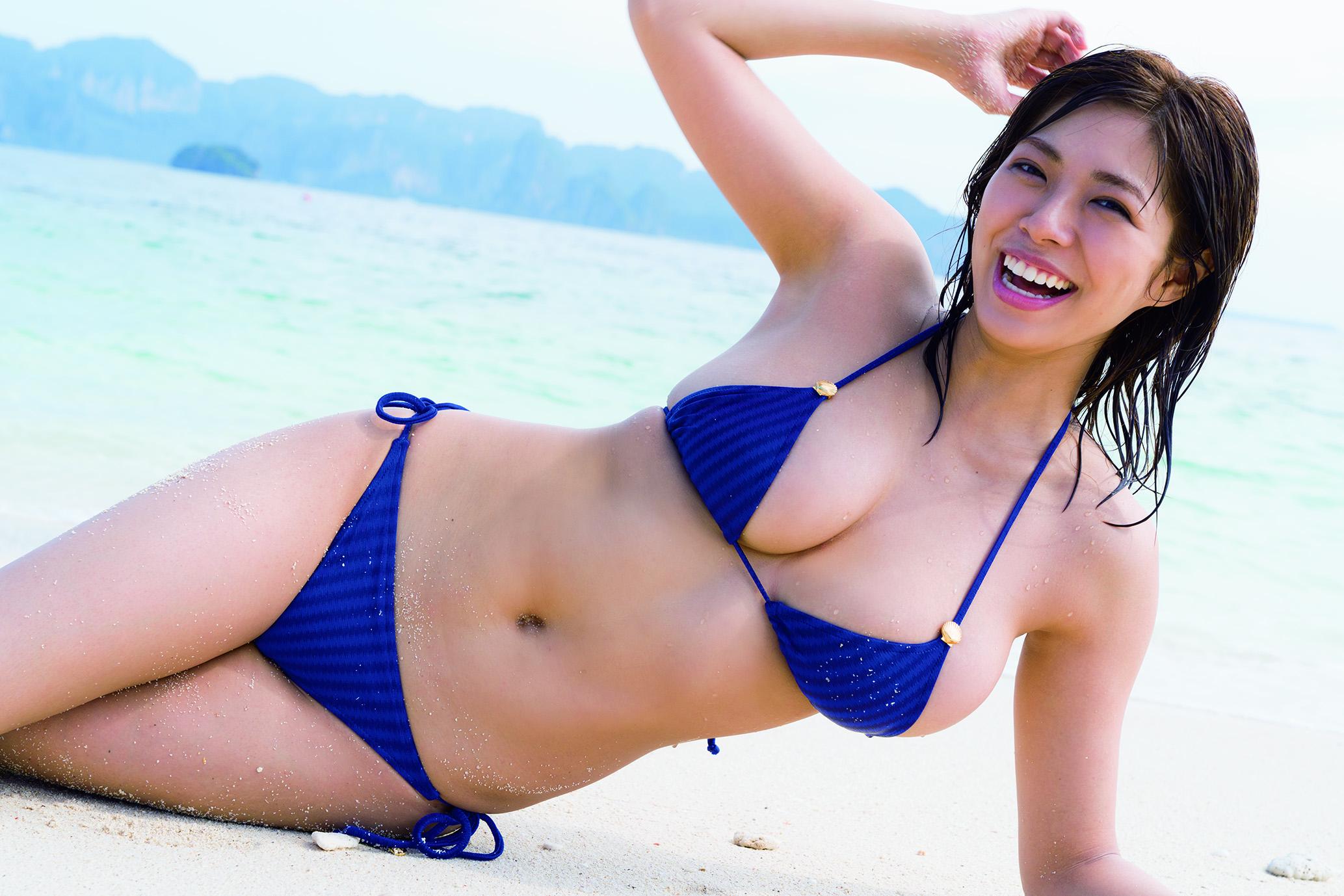 わちみなみ/ファースト写真集「わちゅらる」/グラビアアイドル・水着