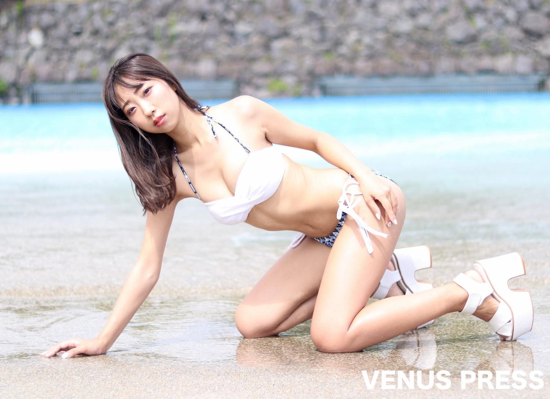 肥川彩愛(2019年9月23日、大磯ロングビーチにて/撮影:VENUS PRESS編集部)