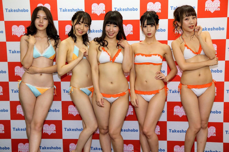 右から:清水杏菜、夏井さら、今野まや、谷麻由里、箕月ゆい(『第1回KISSCA Princess』準グランプリ)