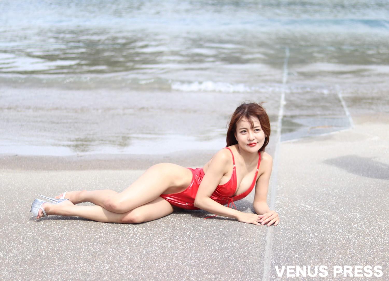 水原乙(2019年9月23日、大磯ロングビーチにて/撮影:VENUS PRESS編集部)