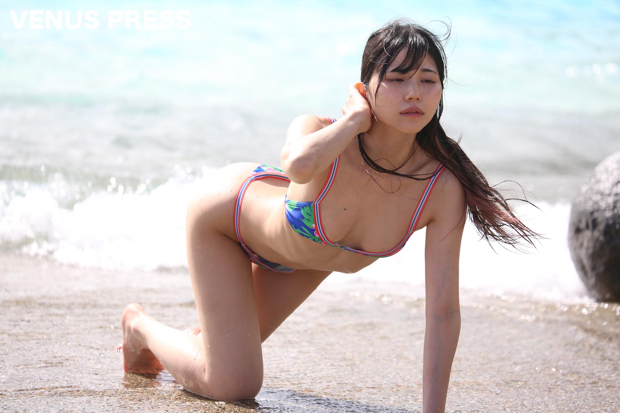 仁藤りさ(2019年9月23日、大磯ロングビーチにて/撮影:VENUS PRESS編集部)