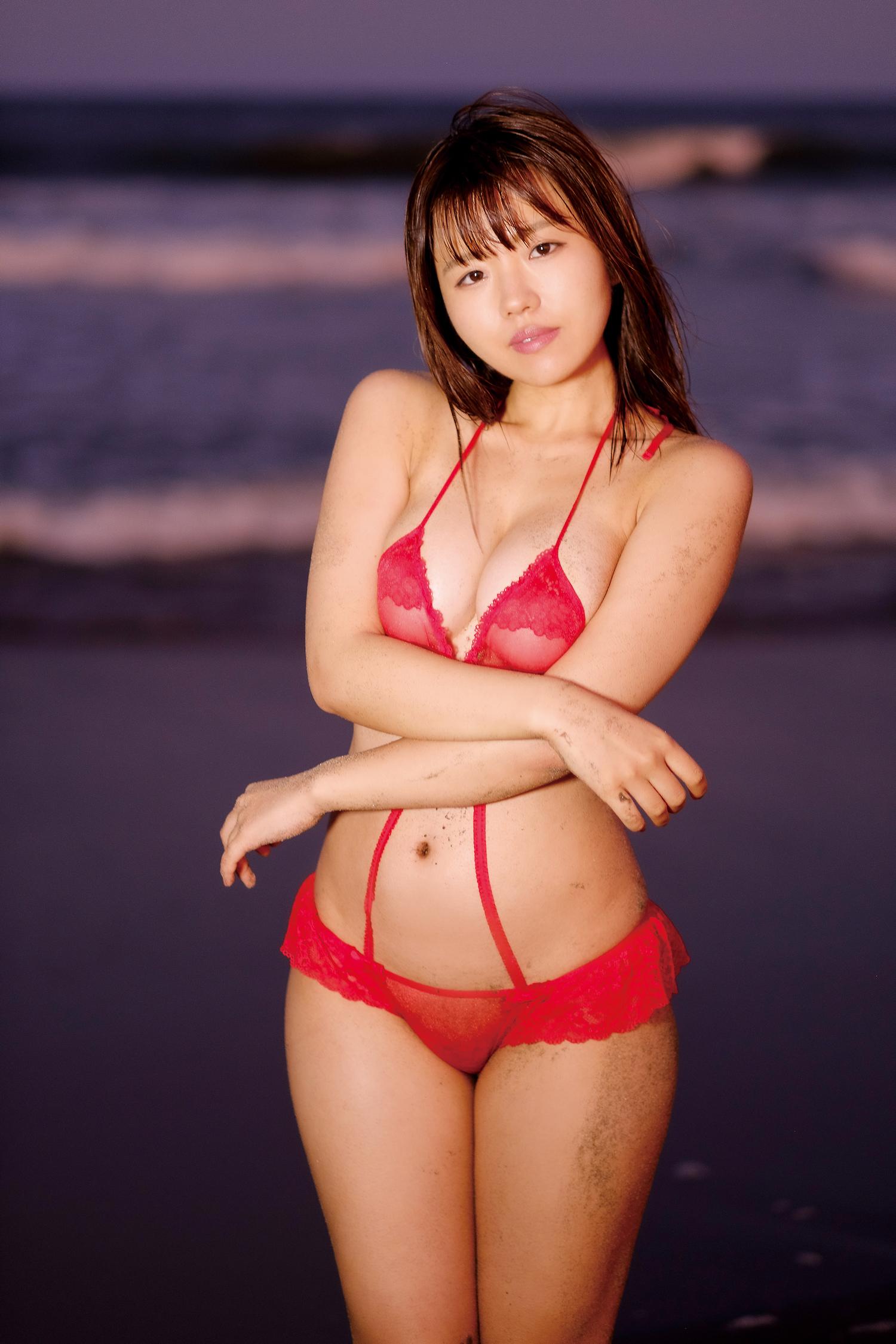 桜田なな/最新作「愛をもっとください」より