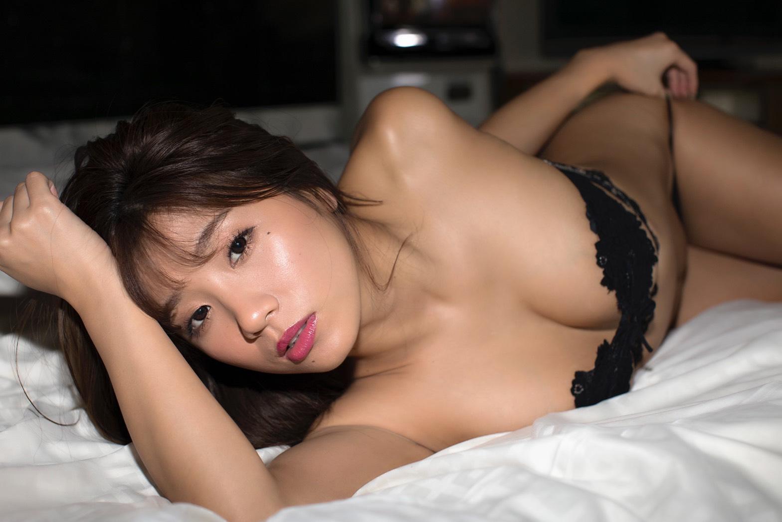 葉月あや/セカンド写真集『BONNIE』(双葉社)
