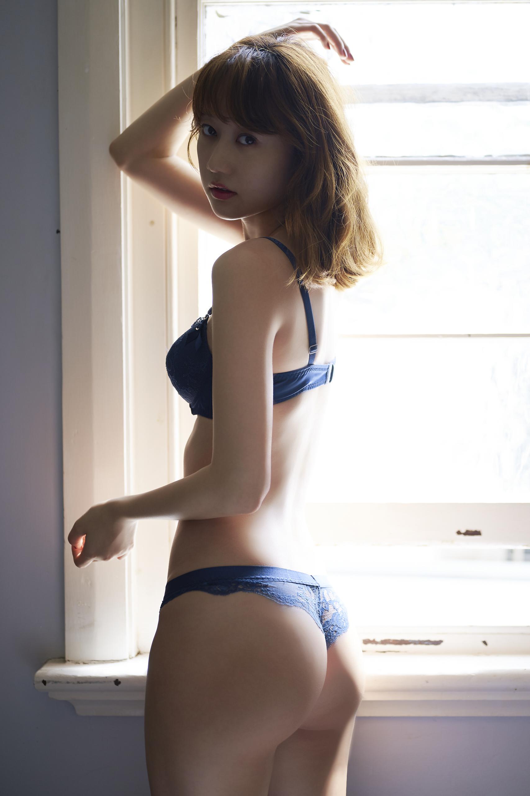 高田秋ファースト写真集C)週刊プレイボーイ/集英社(C)熊谷貫