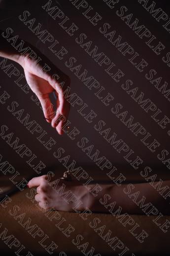 鍼灸(しんきゅう)の世界をグラビアで魅せるデジタル写真集「鍼灸ぐらびあ」