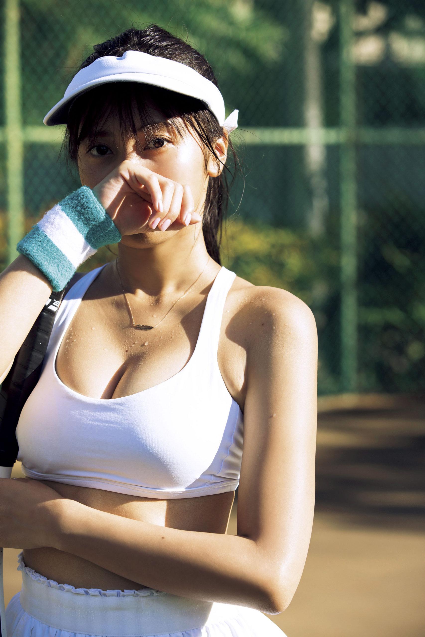 佐野ひなこ・写真集『Hina』(光文社)2020年3月