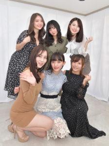 (後列左から)水咲優美、西永彩奈、竹川由華 (前列左から)薄井しお里、高崎かなみ、河路由希子