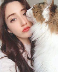 朝比パメラ & CAT(ネコ)