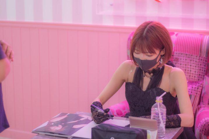 米倉みゆ/2020年7月5日、原宿LiQumuでの1stソロ写真集『はじめまして、米倉みゆです。』発売イベントにて