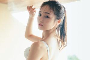 梅澤美波1st写真集「夢の近く」