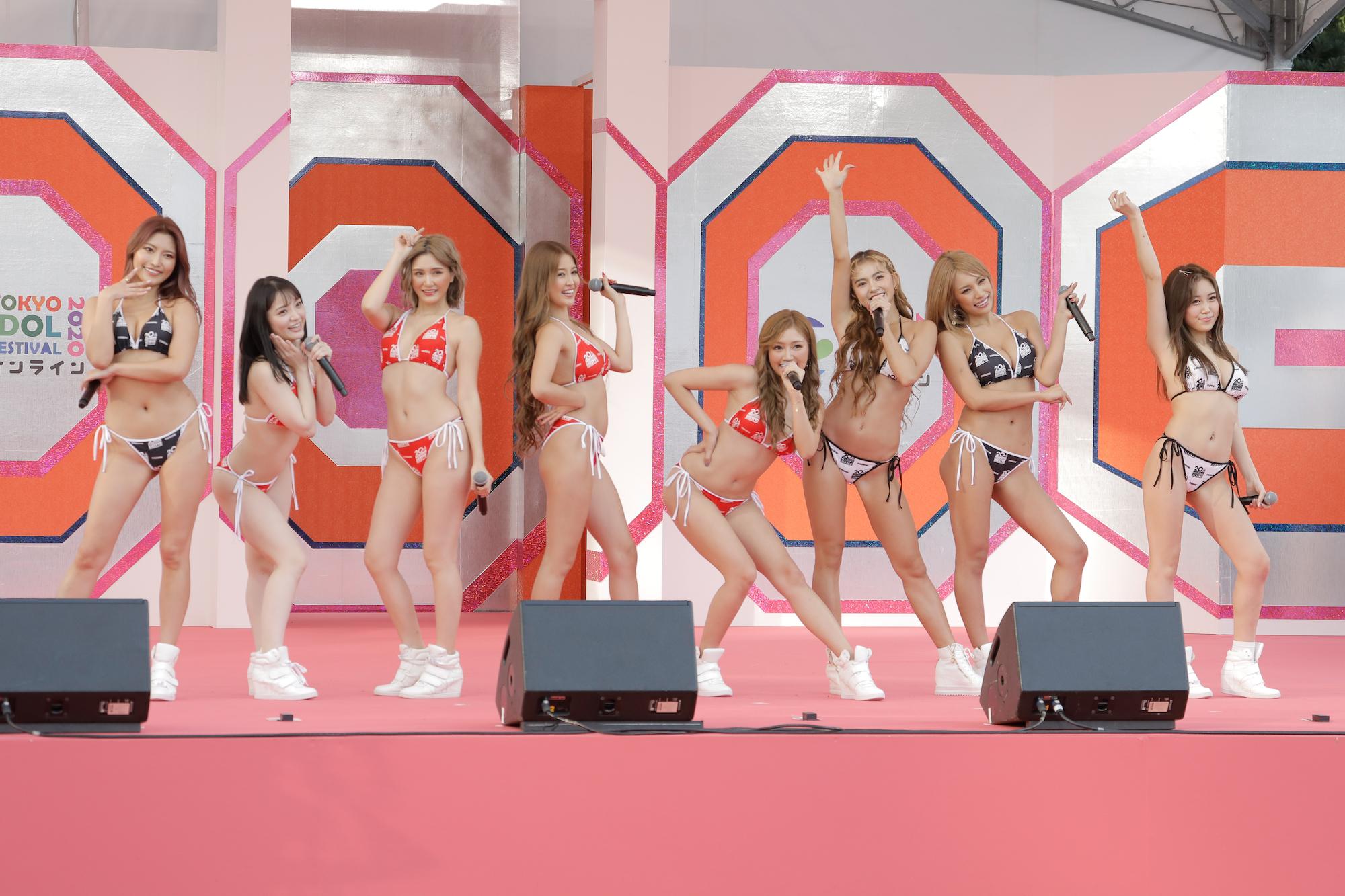 CYBERJAPAN DANCERS(サイバージャパンダンサーズ)/『TOKYO IDOL FESTIVAL オンライン 2020』(TIF)にて。撮影:VENUS PRESS編集部